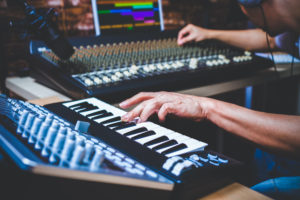Best MIDI Keyboard for FL Studio of 2021: Complete Reviews With Comparisons