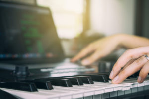 MIDI Keyboard vs Digital Piano: Differences and Similarities