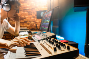 Best iPad MIDI Controllers of 2021: Complete Reviews With Comparisons