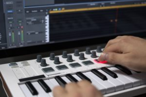 Best MIDI Keyboard for Garage Band of 2021: Complete Reviews With Comparisons