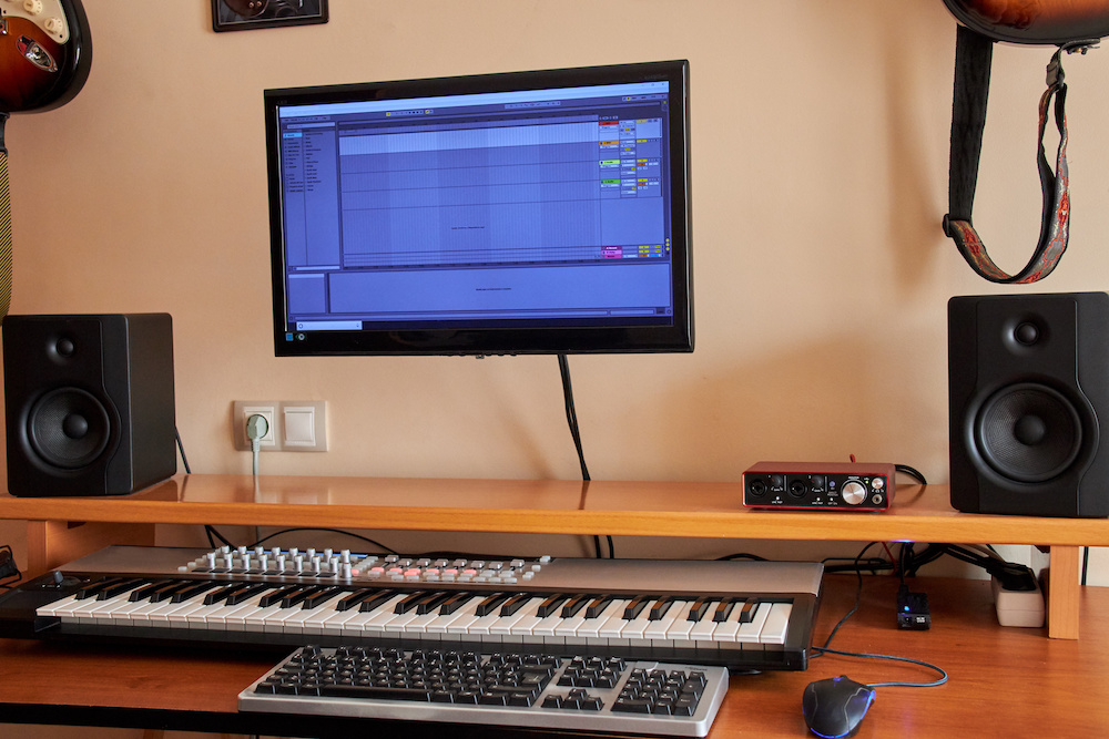 how to connect midi keyboard to pc